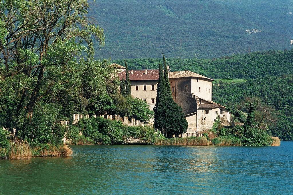 Trentino Castel Toblino